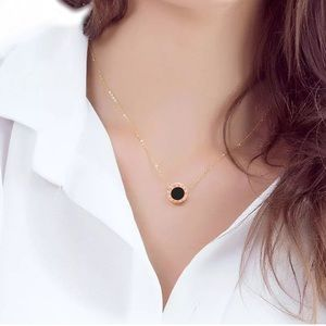 Jewelry - Rose gold Luxury pendant necklaces